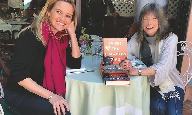 """Knygos """"Ten, kur gieda vėžiai"""" autorei Deliai Owens didmiesčio gatvės atrodo pavojingesnės nei laukinė gamta"""
