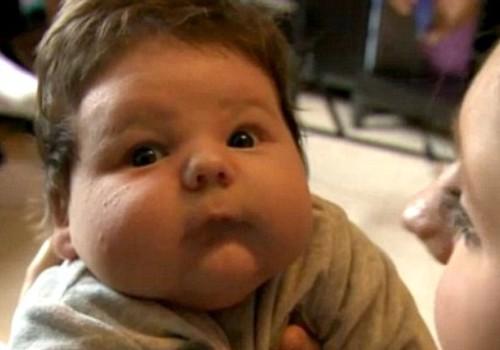 "Jauna britė pati pagimdė 7 kg ""milžiną"""