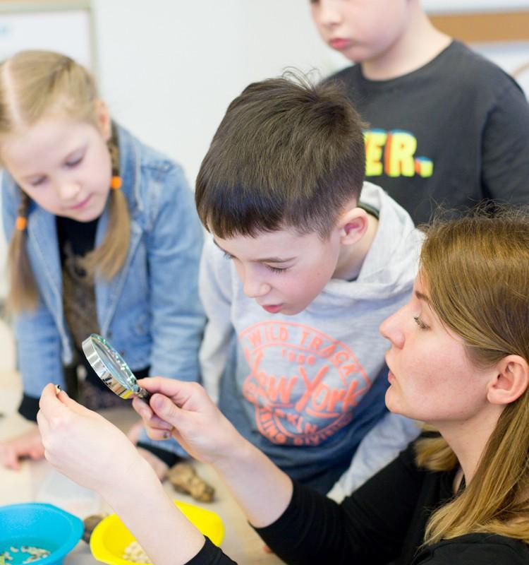 Skatiname vaikų žingeidumą: iš kur atsiranda motyvacija domėtis?