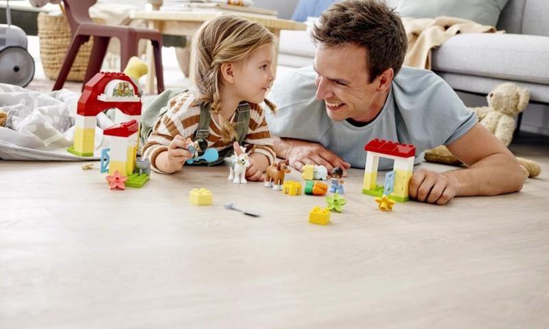 Žaiskite be plano. Leiskite vaikui nustatyti savo taisykles