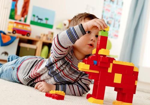 """""""Mamyčių TV"""" nagrinės kokie žaidimai mažyliui ne tik smagūs, bet ir naudingi!"""