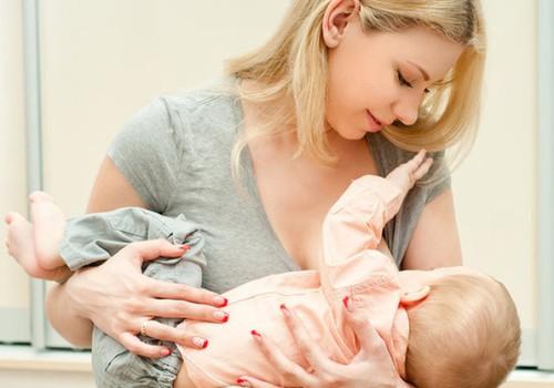 Mama: Ar neduodama mišinuko kūdikiui kankinu jį badu?