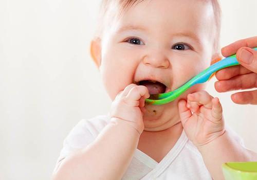 Neskubinkite mažylio ragauti vis naujo produkto