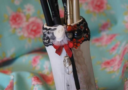 Dekoruota vazelė - indelis kosmetikos reikmenims