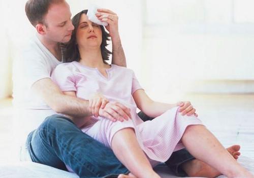 Kaip sumažinti gimdymo skausmą: akušerės Ievos patarimai