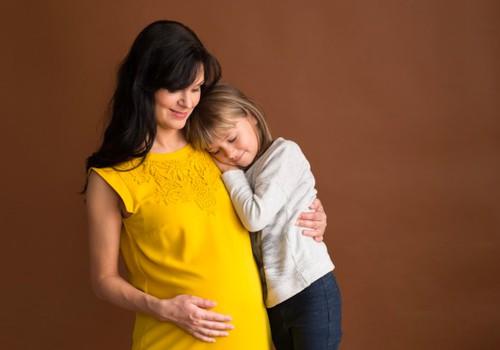 Vėlyva motinystė: mitai ir baimės