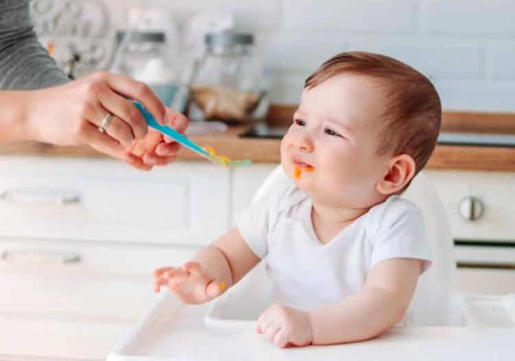Ką daryti, jei mažylis nevalgo košių?