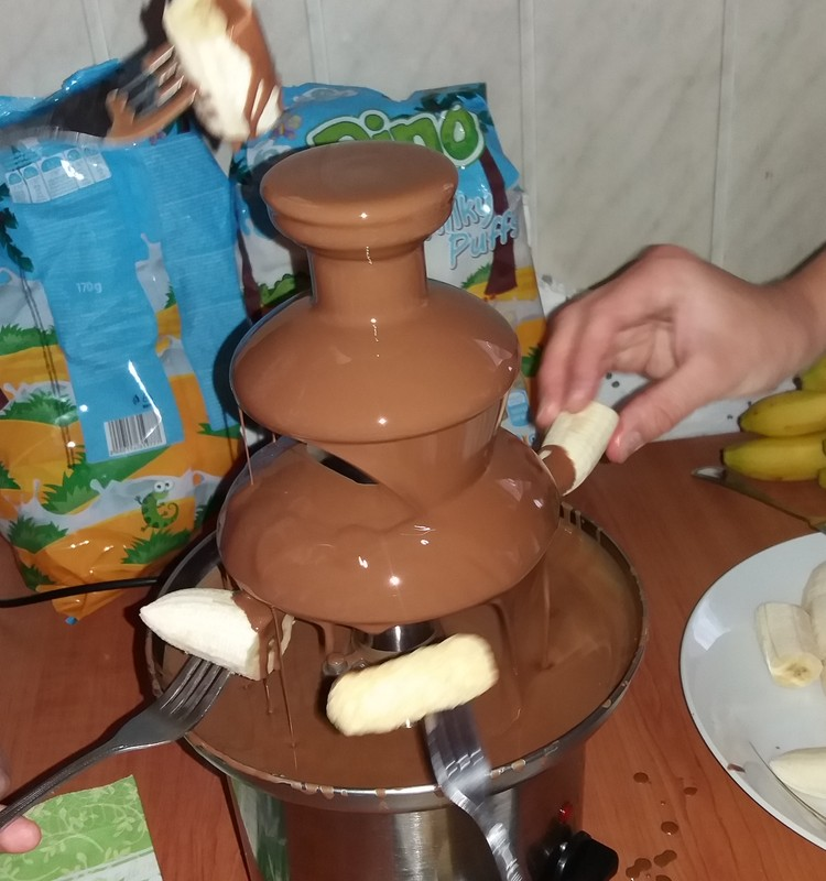 Saulėlydžio šeimos vasara: šokolado fontanas-smaližių rojus