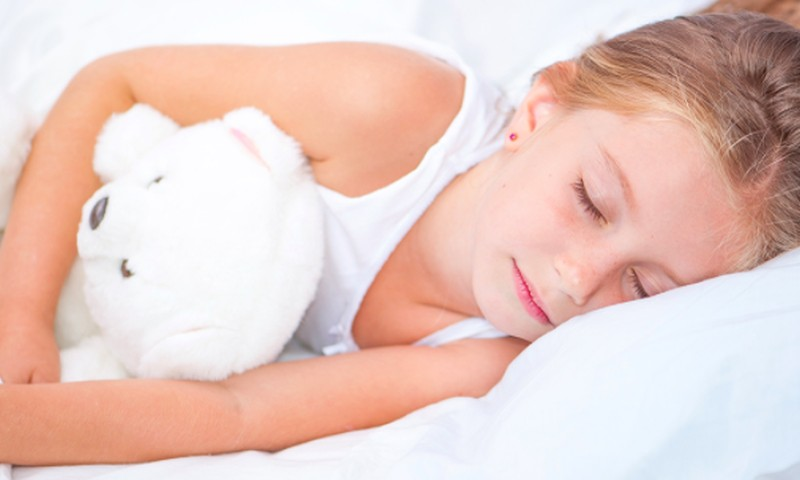 Kada rekomenduojamas gydymas, vaikui šlapinantis į lovą?