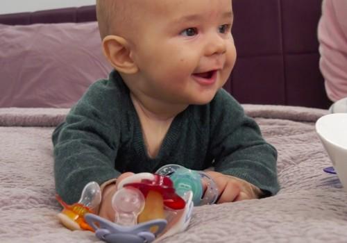 VIDEO:  Viskas apie čiulptukus arba kaip 6 mėnesių Aleksandras juos rinkosi