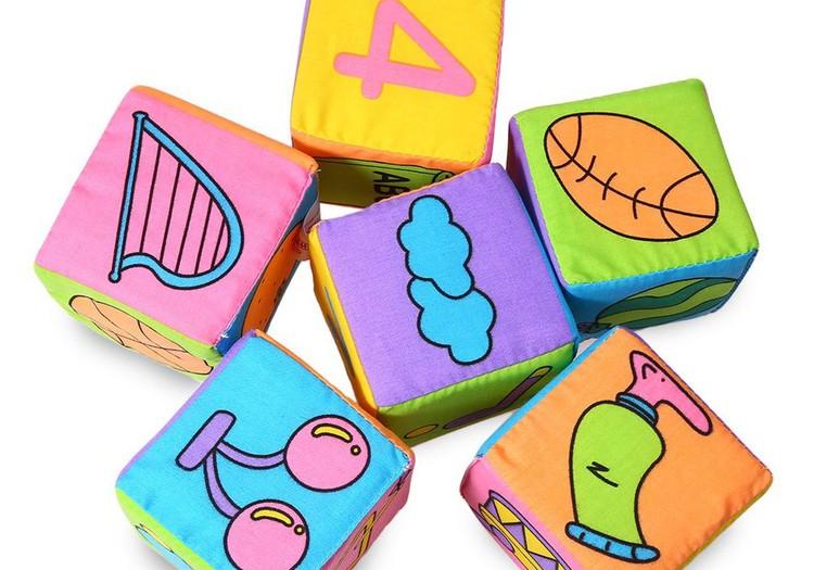 Kiek ir kokių žaislų reikia augančiam vaikui?