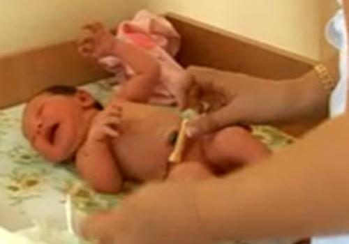 Valant bambutę kūdikiui neskauda