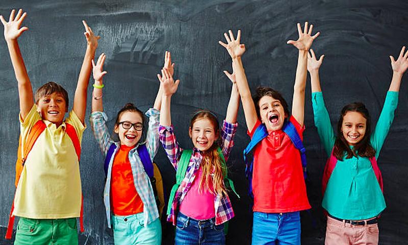 Trečdaliui tėvų nerimą kelia vaiko santykiai su bendraamžiais mokykloje