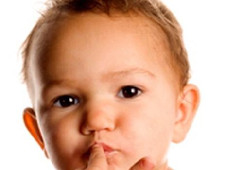 Ką daryti, jei kramto nagus?