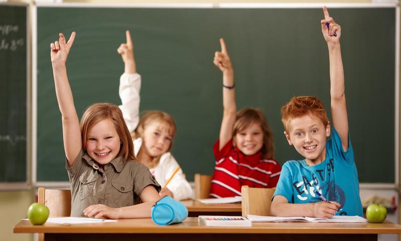 Kiek ir kokių mokyklinių priemonių IŠTIES reikia pirmokui: vertingi PATARIMAI