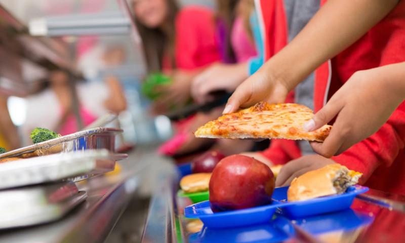 Ką daryti, kad vaikai valgytų sveikatai palankų maistą?