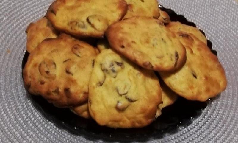 Sausainiai su morkomis ir spanguolėmis