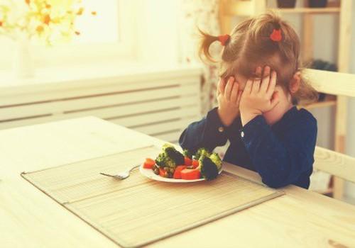 4 priežasys, kodėl jūsų vaikas nenori valgyti
