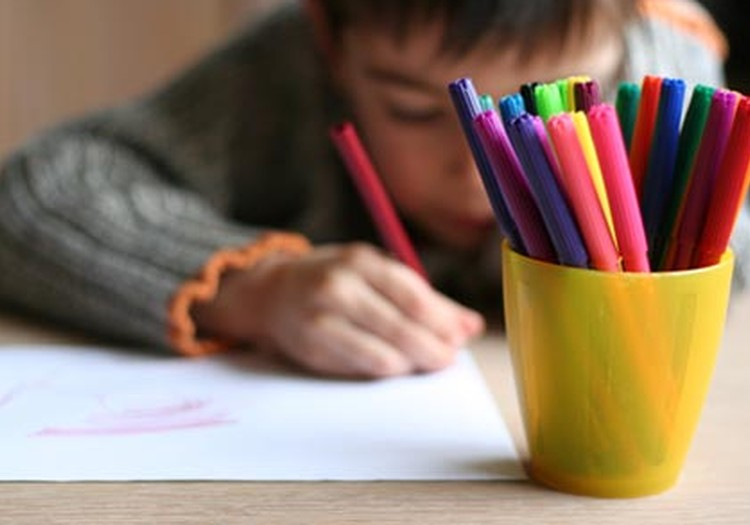 Berniukų ir mergaičių piešiniai skiriasi