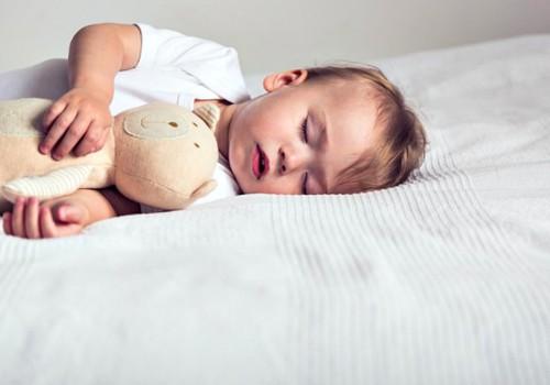 Kaip be streso vaiką atpratinti nuo žindymo migdant?