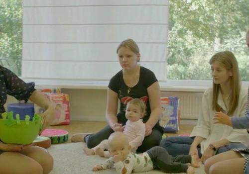 VIDEO patarimai, kaip žaisti su 8-12 mėnesių mažyliais