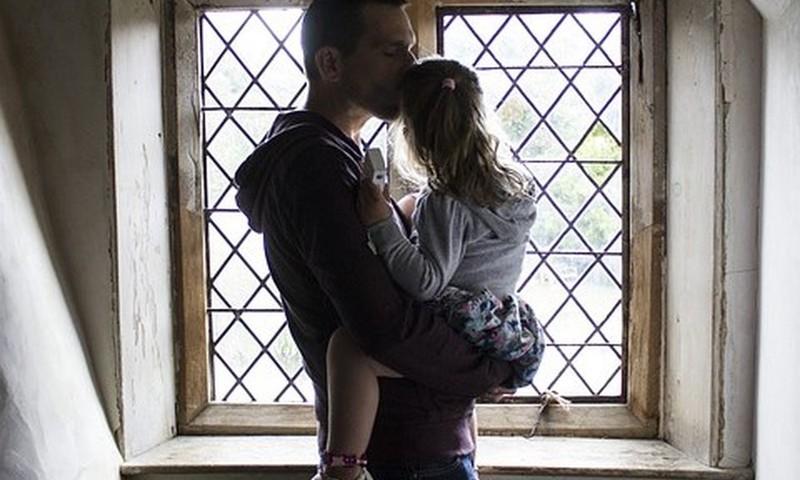 DISKUSIJA: Tėtis ir dukrytė - į kokį tualetą ar persirengimo kambarį eiti?