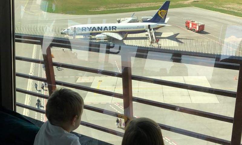 VASAROS GIDAS. Ekskursija Kauno oro uoste