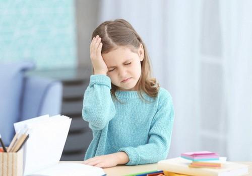 7 esminės priežastys, kodėl vaikams skauda galvą