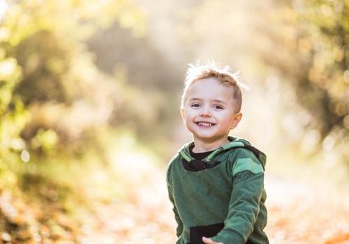 Mama: Trimetis sūnus lauke visai neklauso. Ką daryti?