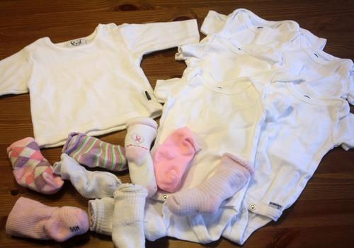 Kaip prižiūrėti ir skalbti naujagimio rūbelius?