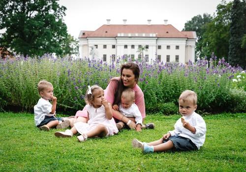 Ketvertuko mama Viktorija: ,,Daugiavaikės šeimos vis dar laikomos našta visuomenei''