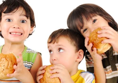 Vaikų ir paauglių nutukimo problema: kaip padėti?