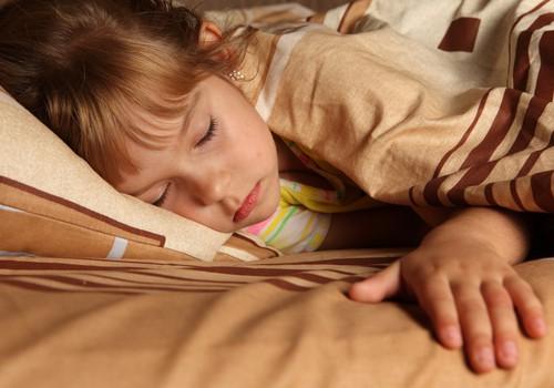 Vaikas turi šlapinimosi problemą? Patarimų rasi www.vaikuenureze.lt