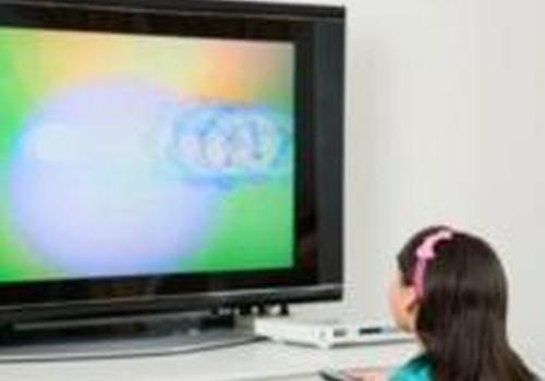 Kuo pavojingas vaikučiui televizorius?
