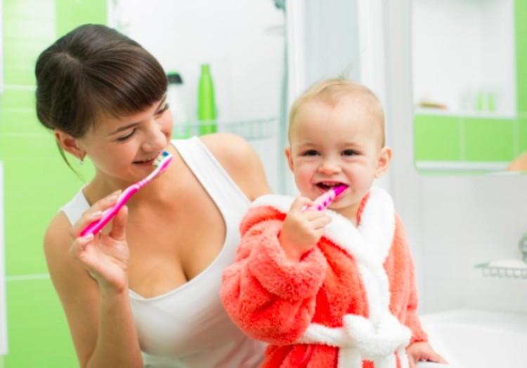 Pirmas vaiko vizitas pas odontologą: kaip pasiruošti ir sumažinti baimę?