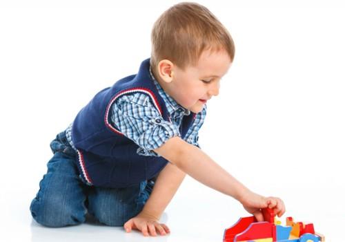 Ar gerai, jei pirmokėlis nešasi žaislus į mokyklą?