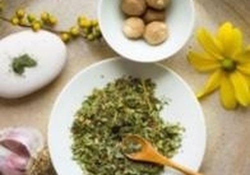 FITOTERAPIJA - gydymas vartojant augalus