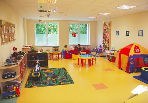 """Sveikatinimo ir ugdymo grupės """"Auk sveikas"""" vaikais rūpinasi būrys specialistų"""