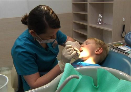 VIDEO: Kaip tinkamai prižiūrėti pieninius dantukus
