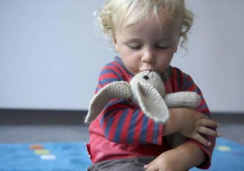 Mažylis nesiskiria su mylimu žaisliuku: ar normalu?
