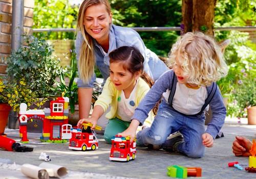 Pažaiskime kartu, nes tai suteikia laimės visai šeimai
