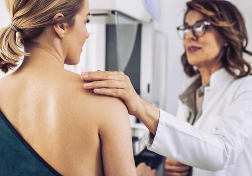 """Šį sekmadienį iniciatyva """"Sužydėjusi viltis"""" kviečia nemokamoms gydytojų konsultacijoms bei mamografijos registracijai"""