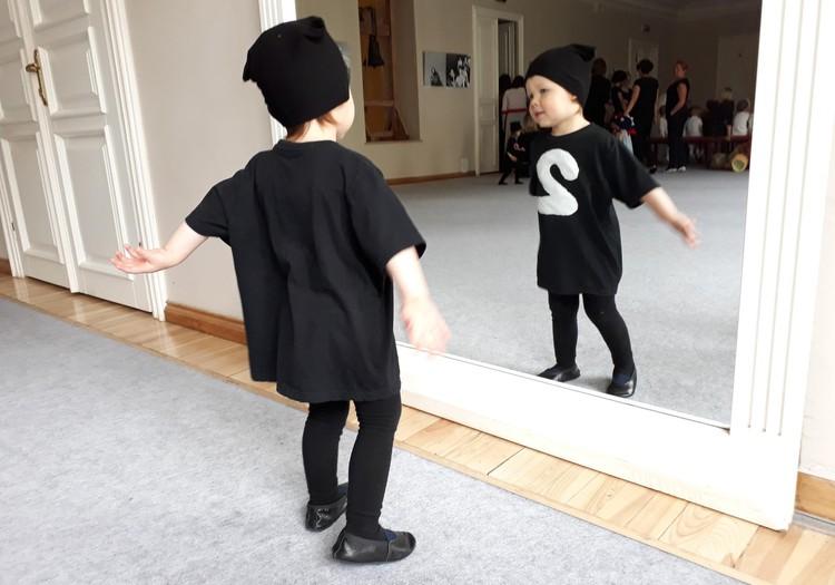 Du mažyliai namuose: mūsų sekmadieniai