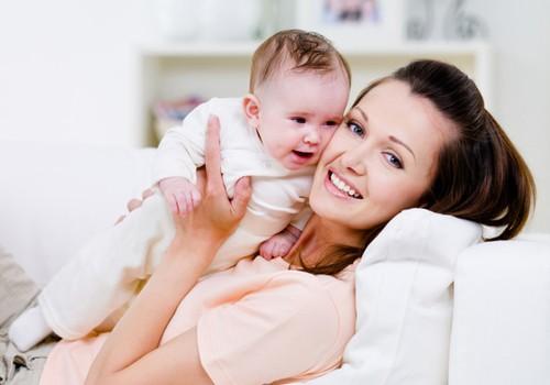 Kaip stiprinti plaukus po gimdymo: mamų patirtis