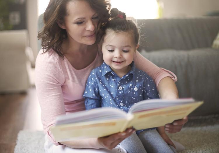 Emocinio intelekto tėvai mokosi kartu su vaikais skaitydami