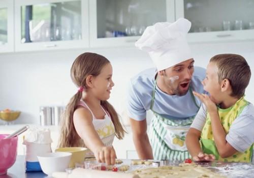 Tėčiai labiau myli dukras: mitas ar tiesa?
