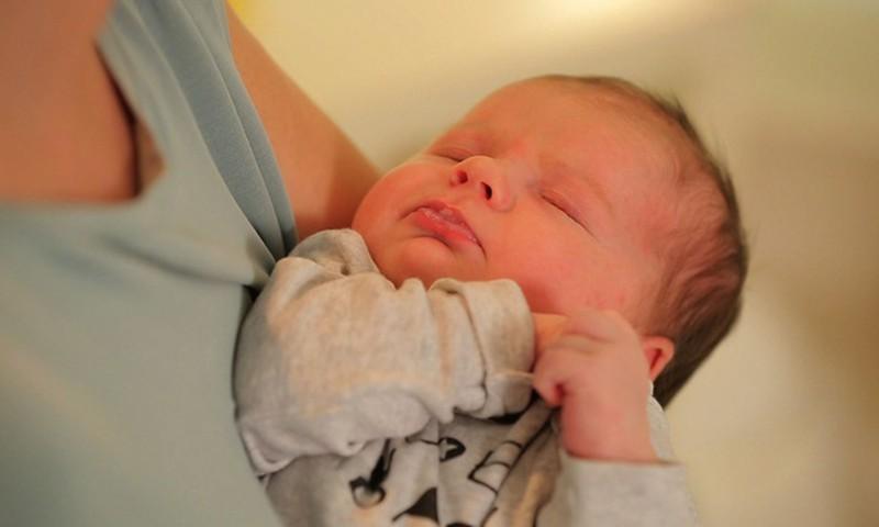 Ko reikia kūdikiui pirmaisiais gyvenimo metais?