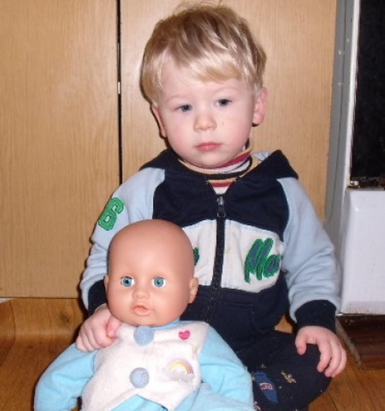 Kai sūnūs kartais domisi lėlėmis