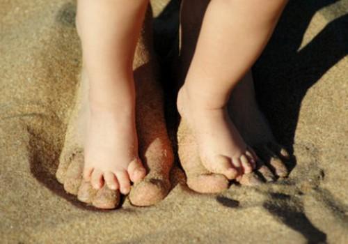 Kaip išsirinkti batus, kad vaiko pėda taisyklingai vystytųsi
