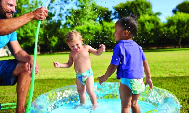 Maudynės su Huggies® Little Swimmers: registruokitės į testavimą